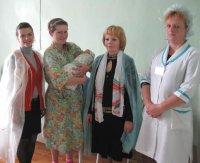 Поздравляли матерей