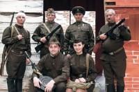 """""""Рядовые"""" на войне и сцене ..."""