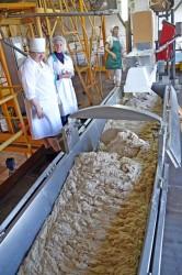 Журналист провёл один день на Миорском хлебозаводе